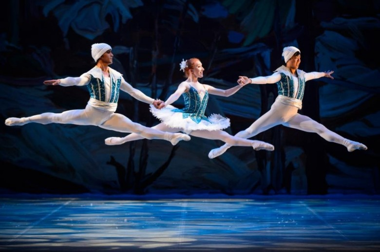 Cruddas, Hannah Mae - Snow with Gustavo Hernandez & Yoo Sang Hong - photo by Lawrence Ho courtesy of Ballet Jorgen Canada