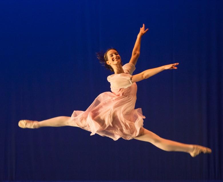 Grade 12 high school dance credit