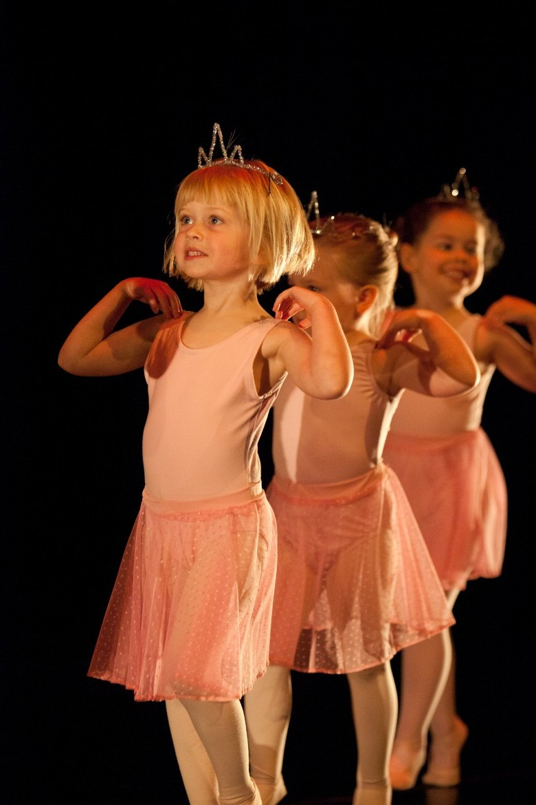 General School dance programs for pre-schoolers